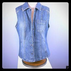 Chicos Platinum denim vest size 2(8-10)
